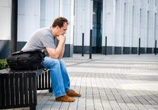 Het droevige portret van de middenleeftijdsmens Stock Afbeeldingen