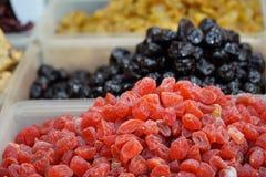 Het droge fruit verkoopt in markt Thailand Stock Foto