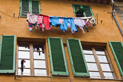 Het droge hangen van overhemden Royalty-vrije Stock Foto