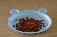 Het droge voedsel van de korrelkat Stock Fotografie