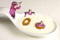 Het duiken in een Gezond Ontbijt Royalty-vrije Stock Foto's
