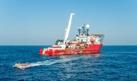 Het duiken ondersteuningsvaartuig Stock Afbeelding