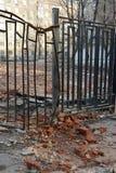 Het dumpen van bouwafval in stad Stock Fotografie