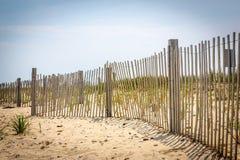 Het dunne strand schermen op Martha's Vineyard, Massachusetts stock foto