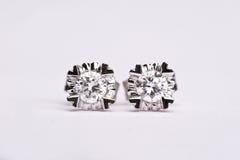 Het earing van de diamant Royalty-vrije Stock Afbeeldingen
