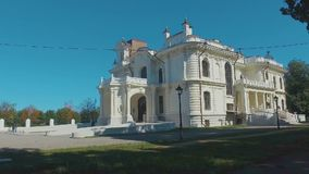 Het edelman` s landgoed van de fabrikant Aseev 07 Het huis werd gebouwd in de Art Nouveau-stijl stock footage