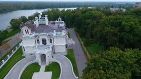 Het edelman` s landgoed van de fabrikant Aseev 02 Lucht Photography Het huis werd gebouwd in de Art Nouveau-stijl stock footage