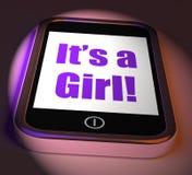 Het is een Meisje op Telefoonvertoningen Pasgeboren Vrouwelijke Baby Stock Foto's