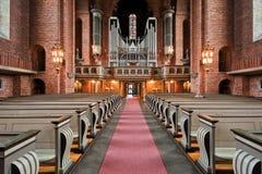 Het eenzame vrouw bidden. royalty-vrije stock fotografie