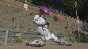 Het Effect van het gebruiken van gadgets op kinderen stock footage
