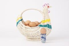Het ei in kippenmand Royalty-vrije Stock Afbeelding