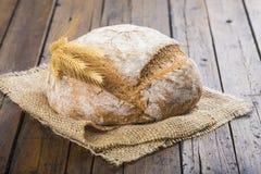 Het eigengemaakte brood van de multigrainzuurdesem Stock Afbeelding