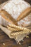 Het eigengemaakte brood van de multigrainzuurdesem Royalty-vrije Stock Afbeeldingen