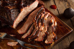 Het eigengemaakte Gerookte Borststuk van het Barbecuerundvlees stock foto's
