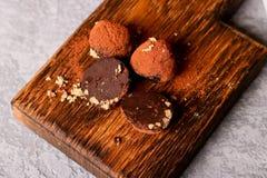 Het eigengemaakte gezonde suikergoed van de veganistchocolade Stock Foto