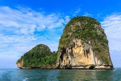 Het eiland en het overzees van rotsen Royalty-vrije Stock Foto