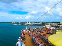 Het eiland van Catalina, Dominicaanse Republiek 05 Februari, 2013: Costa Luminosa-cruiseshi Royalty-vrije Stock Foto's
