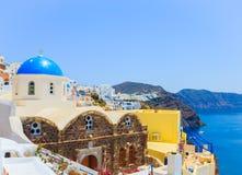 Het eiland van Griekenland Santorini, Oia mening Royalty-vrije Stock Foto's