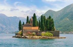 Het eiland van heilige George Baai van Kotor, Montenegro Stock Fotografie