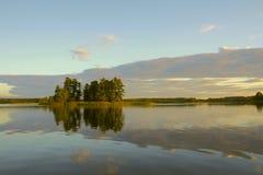 Het eiland van het meer Stock Foto's