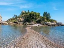 """het Eiland van """"Isolabella† Taormina, Sicilië Mooie kiezelstenen Royalty-vrije Stock Foto"""