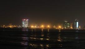 Het eiland van Lagos Centraal bedrijfsdistrict Lagos Nigeria bij nacht stock fotografie