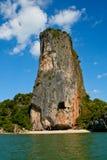 Het eiland van Limstone in de baai van Phang Nga, Thailand Stock Foto's