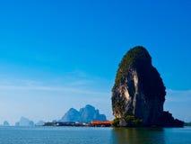 Het eiland van Panyi bij zuiden van Thailand Stock Foto