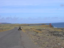 Het Eiland van Pasen - binnenland en manier aan de vulkaan van Rano Raraku royalty-vrije stock fotografie