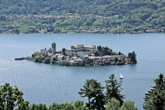 Het eiland van San Giulio, Meer van Orta. Royalty-vrije Stock Fotografie