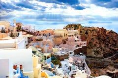 Het eiland van Santorini, Griekenland Oia, Fira-stad Traditionele en beroemde huizen en kerken over de Caldera Royalty-vrije Stock Afbeeldingen