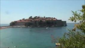 Het eiland van Stefan van Sveti in montenegro stock footage