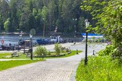 Het eiland van Valaam De weg aan de pijlermeteoren royalty-vrije stock afbeeldingen
