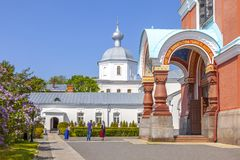 Het eiland van Valaam Ingang aan de Transfiguratiekathedraal royalty-vrije stock fotografie