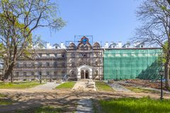 Het eiland van Valaam Restauratie van de bouw van de winterhotel stock foto