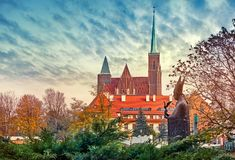 Het eilandmening van Wroclawpolen Tumski bij kathedraal royalty-vrije stock afbeelding