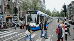 Het einde van de tramlijn, Rode Zorgmanifestatie bij het Damrak-vierkant in Amsterdam, Nederland, stock videobeelden