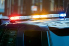 Het eindesirenes van het politiewagenverkeer stock foto