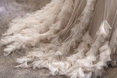 Het elegante detail van de huwelijkskleding royalty-vrije stock afbeeldingen