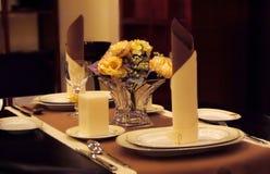 Het elegante het dineren plaatsen Stock Afbeeldingen