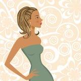 Het elegante mooie meisje stellen Stock Afbeeldingen