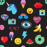 Het elegante naadloze patroon van de pop-artmanier met flarden, spelden, kentekens en stickers Royalty-vrije Stock Afbeelding