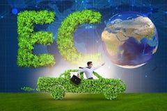 Het elektrische autoconcept in groen milieuconcept Stock Foto