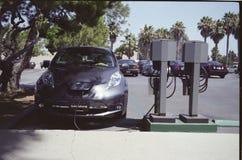 Het elektrische Laden van de Auto Royalty-vrije Stock Fotografie