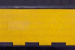 Het elektrosymbool van de hoogspanningswaarschuwing stock afbeelding