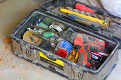 Het elektrovernieuwingswerk, velen overhandigt hulpmiddelen stock afbeelding