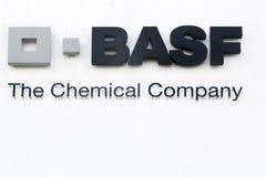 Het embleem van BASF op een muur Stock Foto's