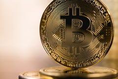 Het embleem van het Bitcoin metall muntstuk Royalty-vrije Stock Afbeeldingen