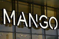 Het embleem van de merkmango De Mango van het bedrijfuithangbord Royalty-vrije Stock Foto