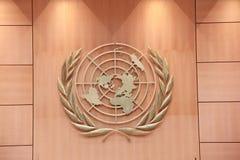 Het Embleem van de Verenigde Naties in montagehal van de V.N., Genève, Zwitserland Royalty-vrije Stock Foto's